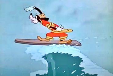 Goofy surfing