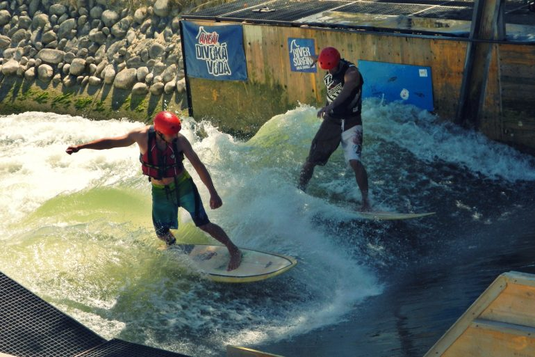 River surfing Cunovo
